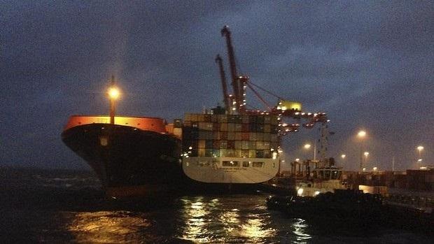 Ship operations stop at Port Botany